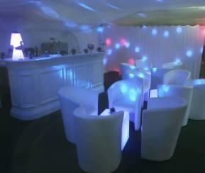 Bar de nuit dans le prolongement de la salle de danse